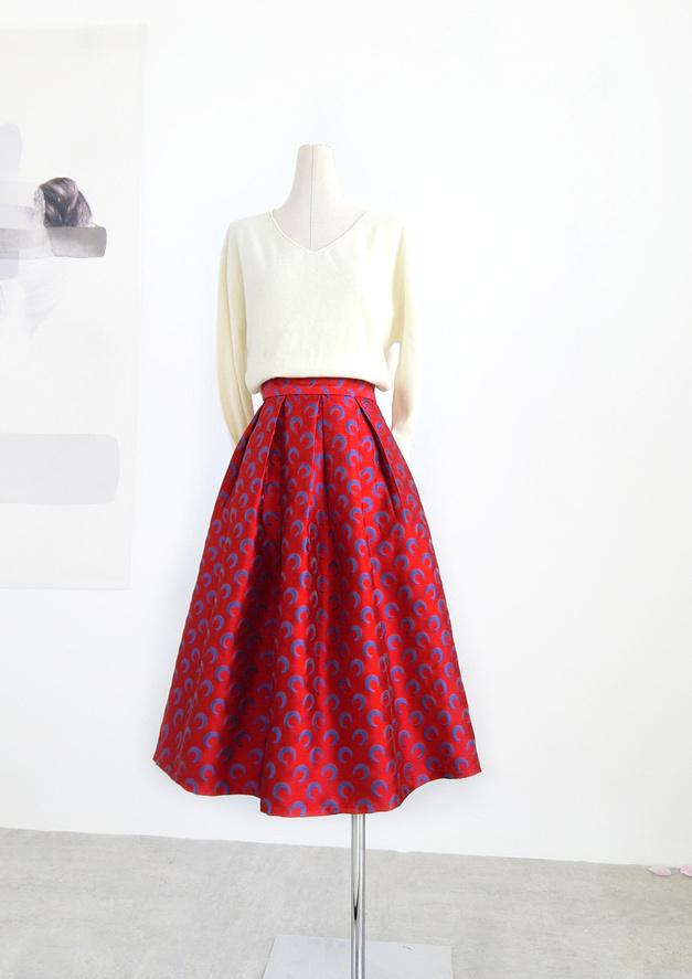 Pleatedlongskirt red 1