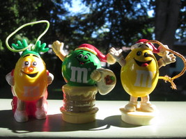 M&M's M&M MARS CHRISTMAS ORNAMENTS 1988 to 1993 Lot of 3 with Glossy Pap... - $6.64