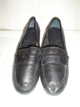 WOMEN'S BORN  LEATHERUPPER AND LINING FLAT BLACK SIZE 8 M/W SLIGHTLY USED  - $25.99