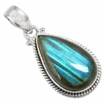 Very Beautiful Blue Labradorite Pendant, 925 Silver, Handmade - $28.00