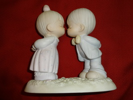 Precious Moments BLESSINGS FROM ABOVE figurine no box - $9.00