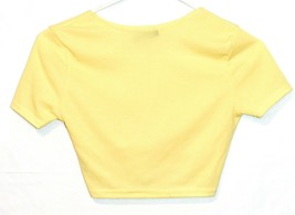 Pretty Little Thing Women's Tie Knot Front Ribbed Knit V-Neck Crop Top Size 2 image 2