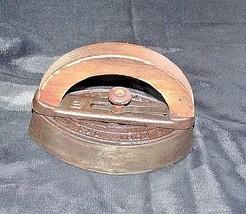 Mrs Potts SAD Iron Note 3 Potts with handle AB 565-EAntique image 1
