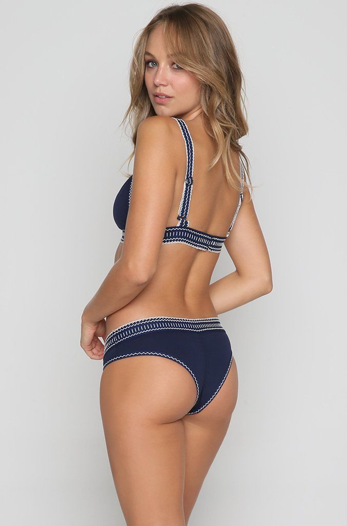 Primary image for AGUA BENDITA BENDITO NAVEGANTE STITCH DETAIL BRAZILIAN FIT BIKINI BOTTOM (L) NWT