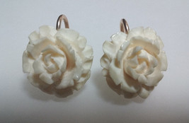 Vtg 50's Carved celluloid Rose Flower Cream Color EARRINGS ~Pretty~ / Sc... - $10.78