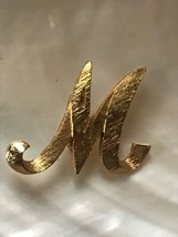 Vintage Mamselle Signed Etched Goldtone Script Letter Initial M Pin Broo... - $10.39