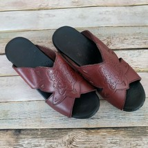 Womens Dankso Maroon Leather Slides Sandals EUR 38 US 8 Etched Frog - $29.69