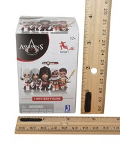 "2 Pc Lot Assassin's Creed 3"" Toy Series 1 - Vinyl Blind Box Random Figure 2018 - $19.88"
