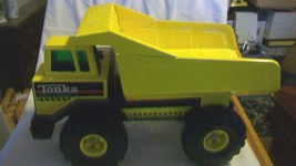Vintage Yellow Tonka Mighty Diesel Dump Truck Toy with Green Glass XMB-975 - $111.38