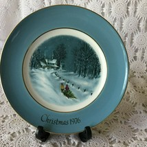 Enoch Wedgewood Avon Bringing Home The Tree Third Edition Porcelain Plate 1976 - $11.63