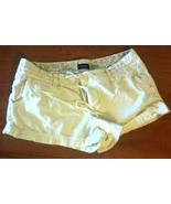 Women's American Eagle yellow stretch shorts size 8 - $19.80