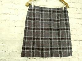 "women's Petite Sophisticate gray/white/red plaid skirt waist 30"" image 2"