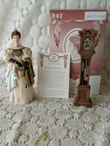 Avon Commemorative 2000 Mrs. P.F.E Albee Award Porcelain Figure - $14.54