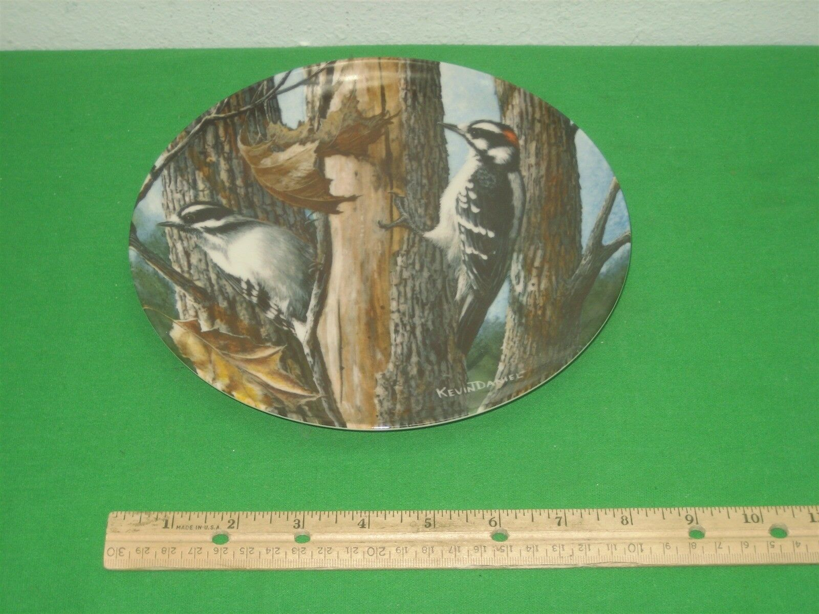 The Downy Woodpecker Collector Plate 1987 Knowles Kevin Daniel Plate No 161180