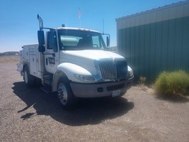 2003 International 4300 and Additional Items  For Sale in Battle Mount, NV 89820 image 1