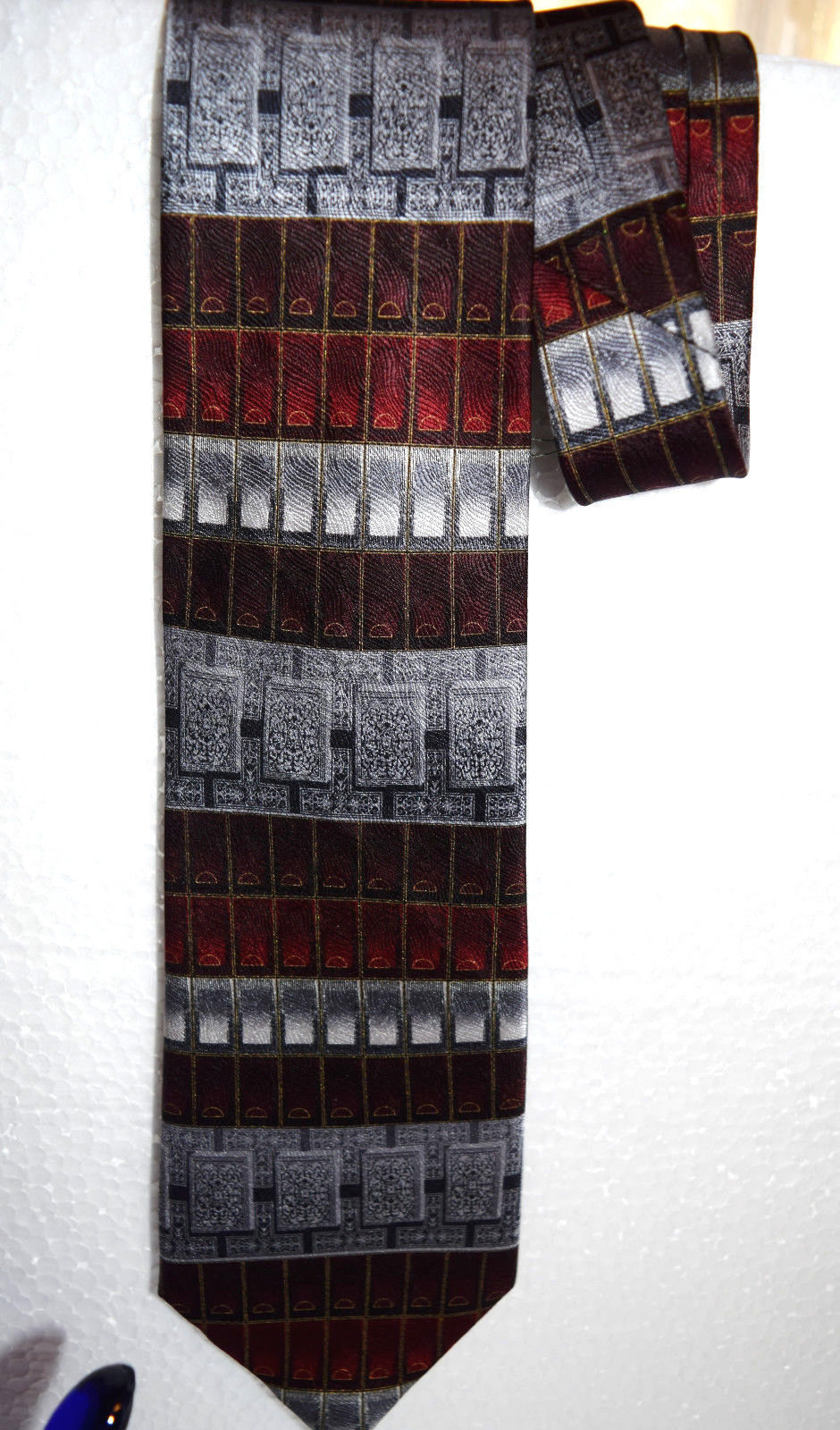 """NWT Antionia men's tie 59"""" X 4"""" Hand made tie 100% Silk New Very Nice Dry Clean"""