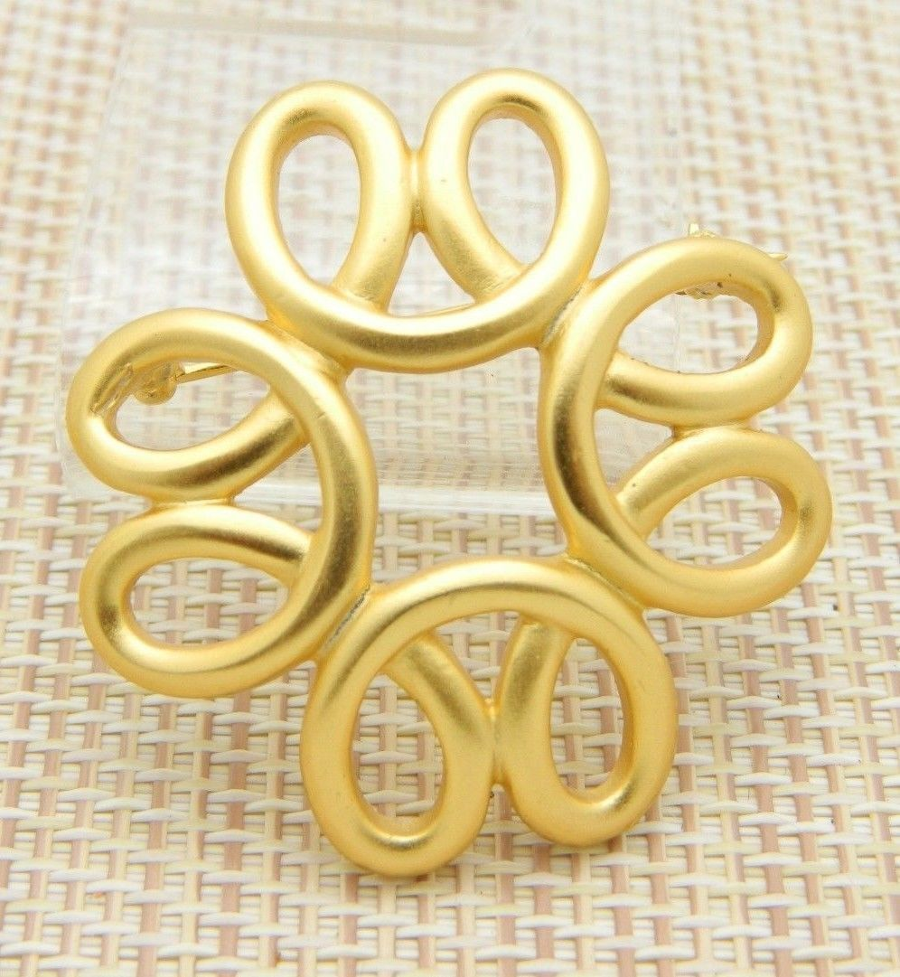 Sarah Coventry Infinity Gold Tone Vintage Pin Brooch