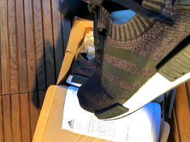 Adidas Black Primeknit Wool Runner Size 48 2/3 New image 5