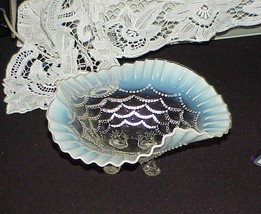 Antique Northwood blue Opalescent Bead Drape Victorian 4 Footed Glass Bowl - $19.79