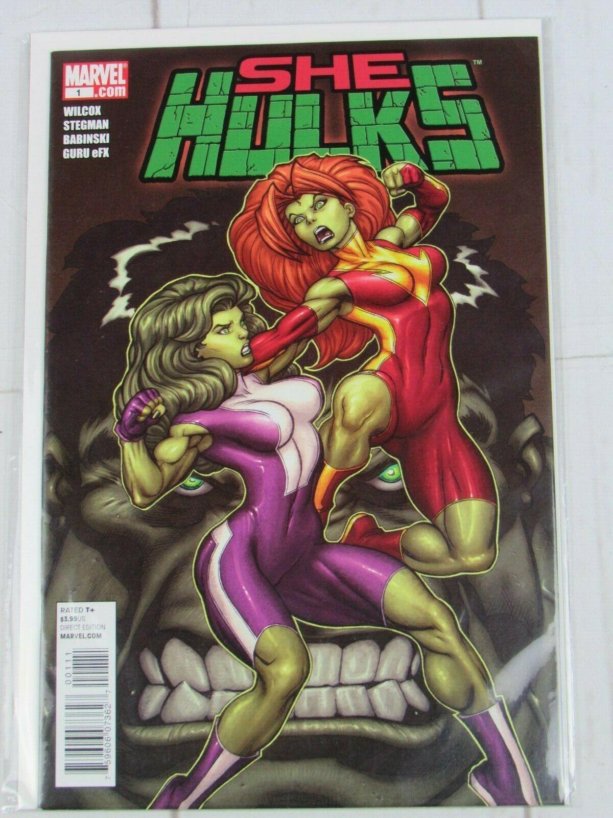 She-Hulks #1 Ed McGuiness Cover Marvel 2011 - C5259