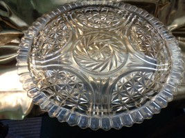 Lovely Large Vintage Clear Glass Serving Plate - $17.10