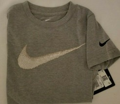 New Nike Tee Boy's youth short sleeve gray T-shirt 86f358 swoosh on front - $11.25