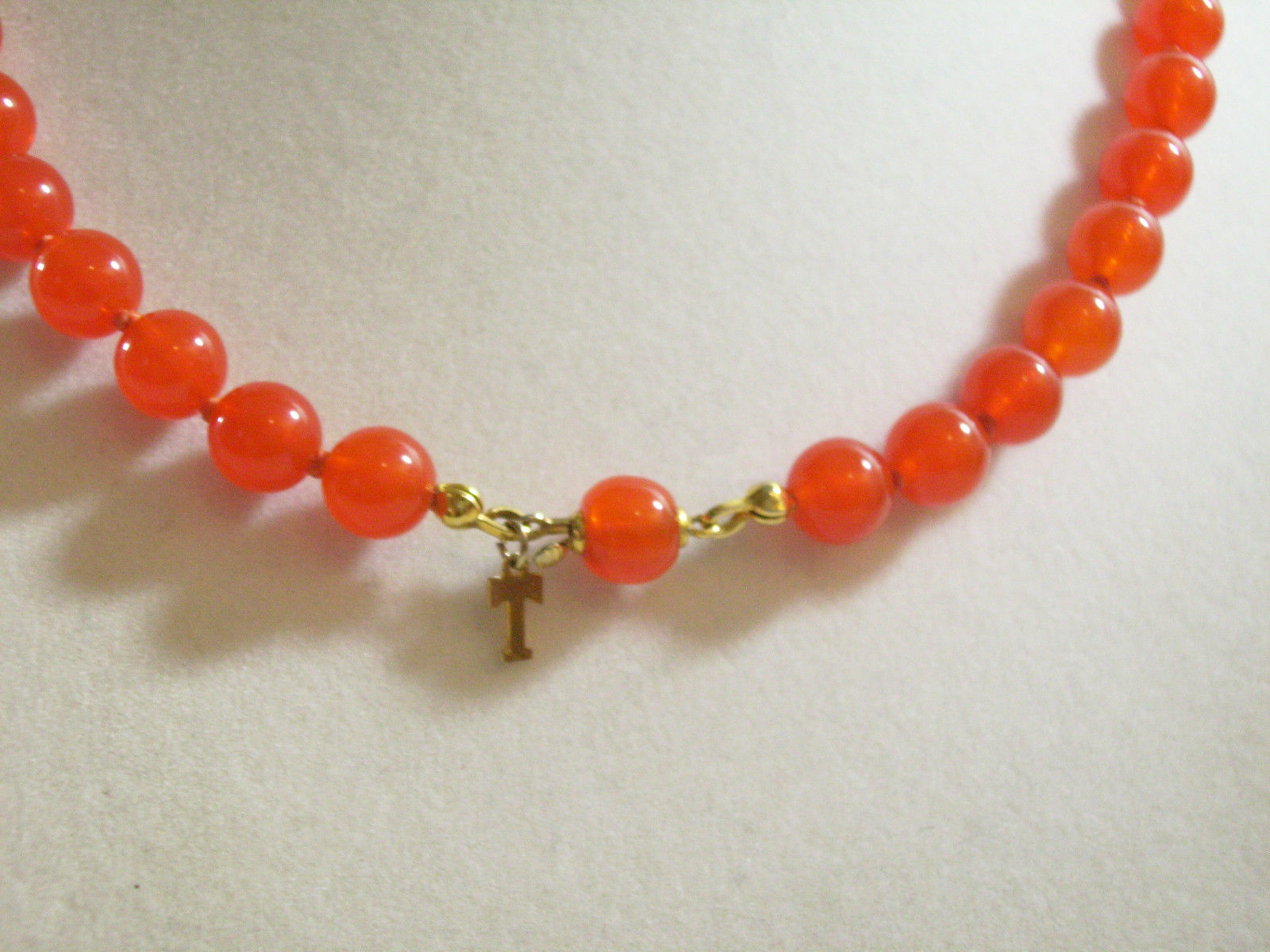 TRIFARI CORAL Color Beads Choker Necklace Hand Knotted Strand Orange Vintage