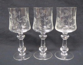 Etched Crystal Small Glasses Floral Design Lot Of 3 - $19.79