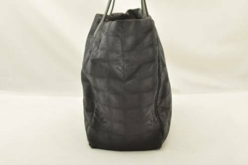 CHANEL New Travel Line Tote Bag Black CC Auth 10653 **TEAR image 4