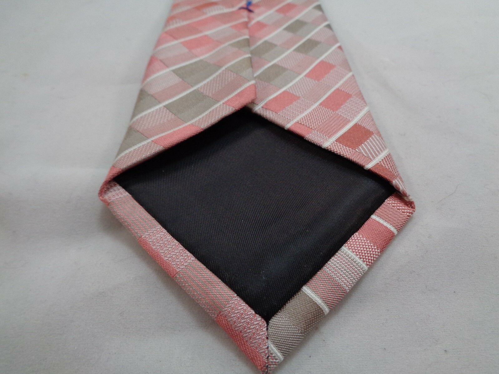 "KENNETH COLE REACTION PINK CHECKERED SILK NECKTIE 60"" LONG 3"" WIDE image 5"