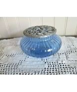 Rawcliff  Trinket jar blue pewter open weave  flower lid - $388,40 MXN