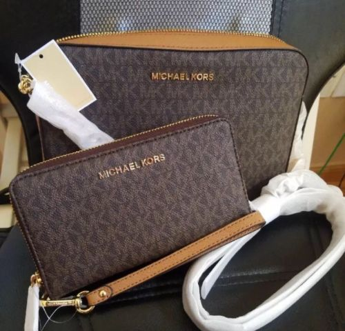 01c00238f2bf Michael Kors Jet Set Brown set wallet and 47 similar items