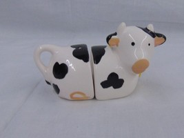 Unique Vintage Set of Pottery Cow Salt and Pepp... - $7.92