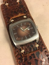 Nice Fossil Wide Leather Cuff Watch Brown Alligator Croc Grain Stitched ... - $28.92