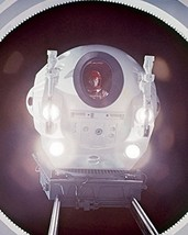 Keir Dullea in 2001: A Space Odyssey looking out of port window in pod 16x20 Can - $69.99