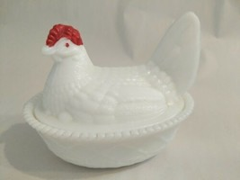 Vintage Westmoreland White Milk Glass Red Head Hen Chicken On Nest Candy Dish - $19.21