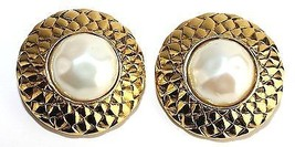 Authentic CHANEL Paris Gold tone Earrings Ear Ring w/ Pearl Round shaped France - $167.31
