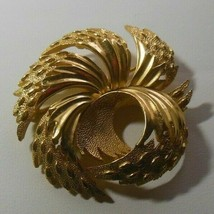 Vintage Crown Trifari Gold-tone Swirl Textured Brooch/Pin - $44.55