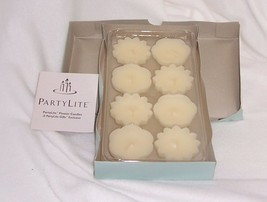 Partylite Box of 8 Floater Candles Vanilla F1011 Vanilla Scent - $14.80