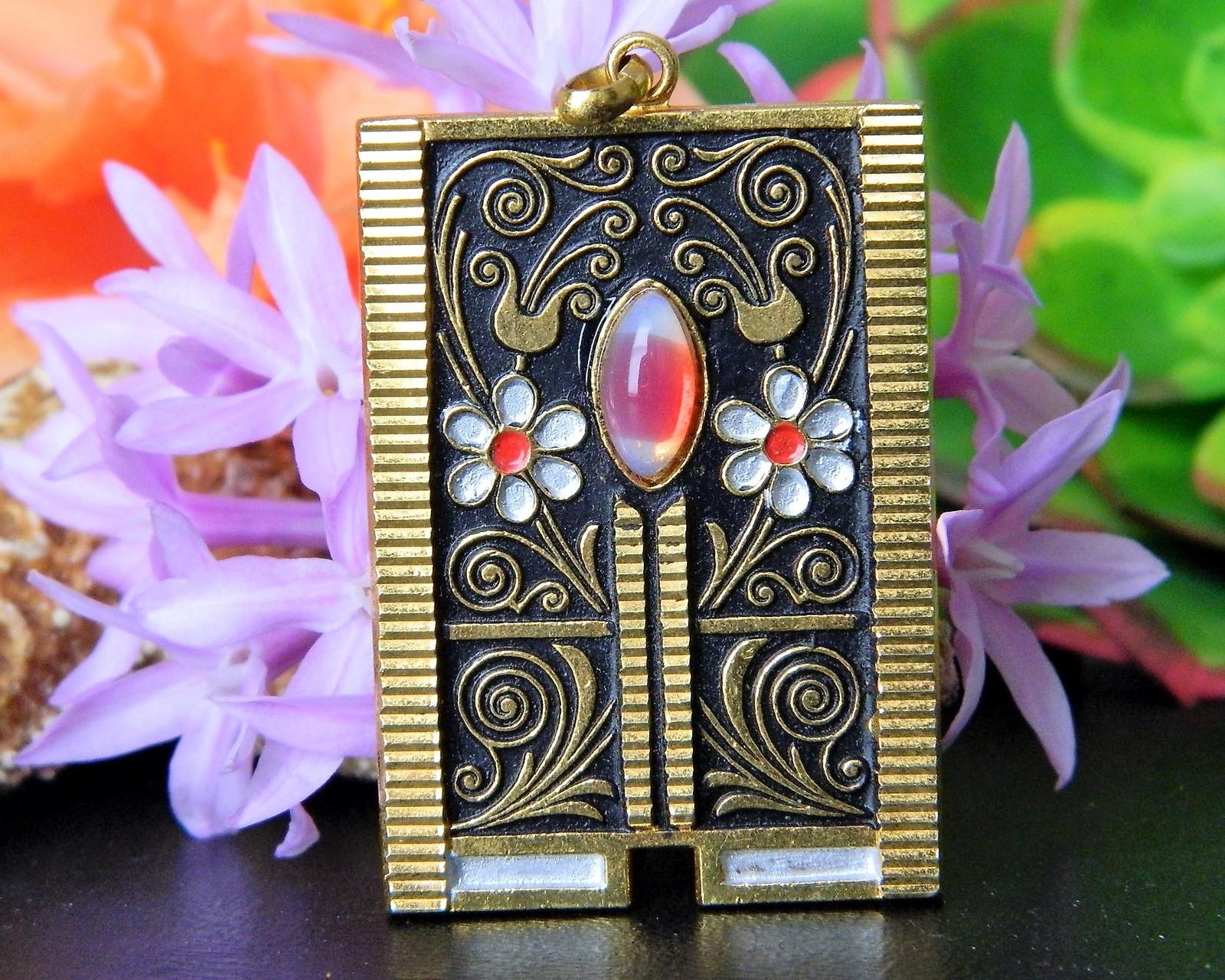 Vintage Damascene Style Pendant Daisies Flowers Moonstone Gold Black