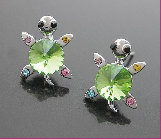 Very Cute Green Crystal Turtles Earring