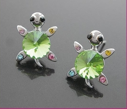 Very Cute Green Crystal Turtles Earring - $4.99