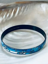 Vintage Michaela Frey Team Signed Blue & White Floral Enamel Bangle Brac... - $37.25