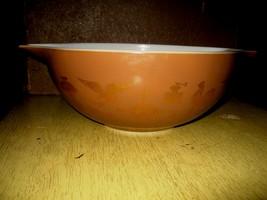 Pyrex 4 Quart Mixing Bowl Early American Cinderella - $15.00