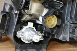 09-11 BMW E90/E91 330i 335D 4dr Halogen Headlight Passenger Right RH  image 9