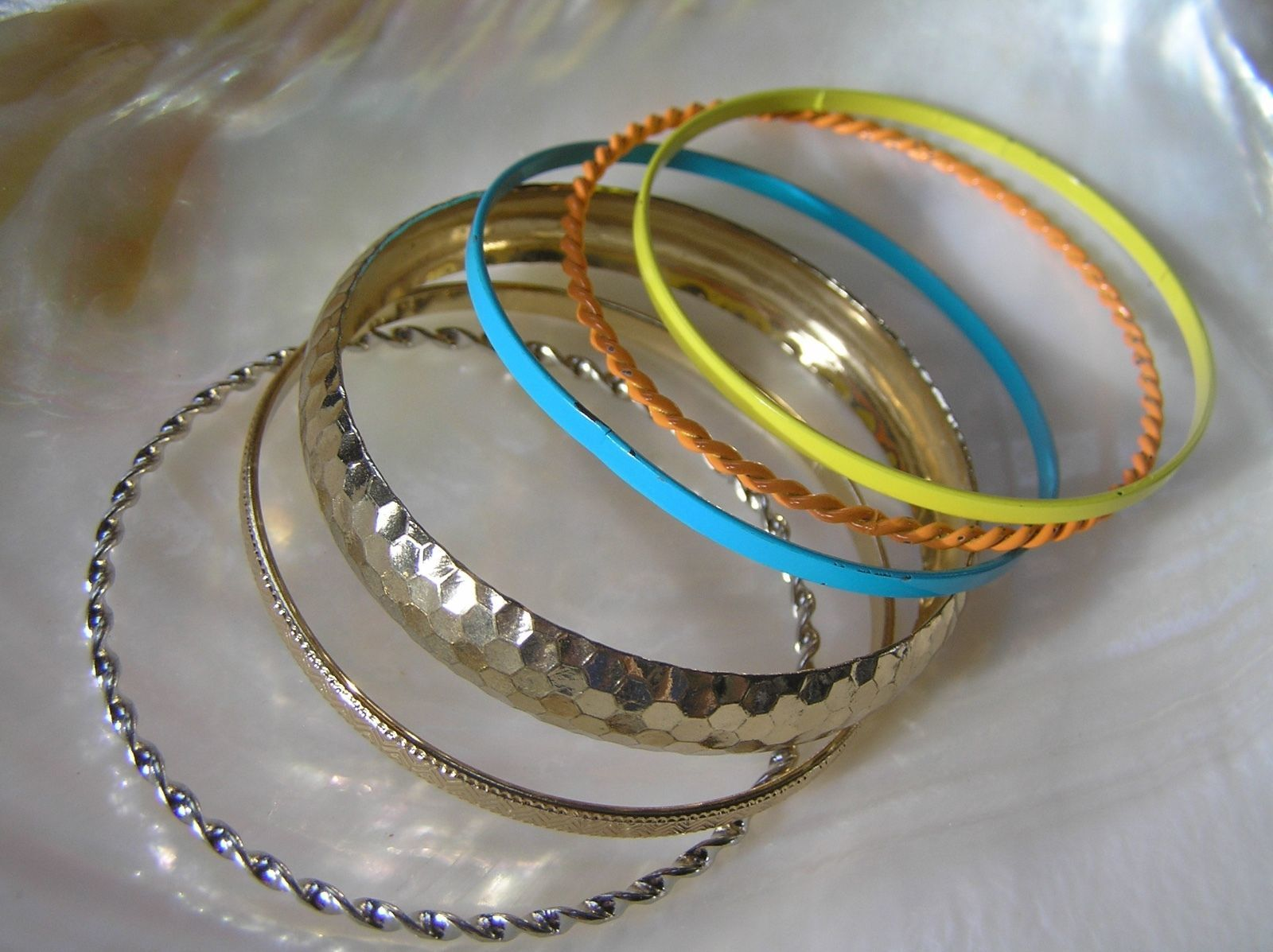 Lot of 6 Blue Yellow Orange Enamel Hammered Twist Goldtone Variety Bangle