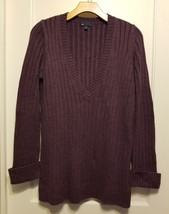 GAP Women's V-neck Sweater Acrylic Nylon Blend Purple Size M, Pre-owned - $17.09