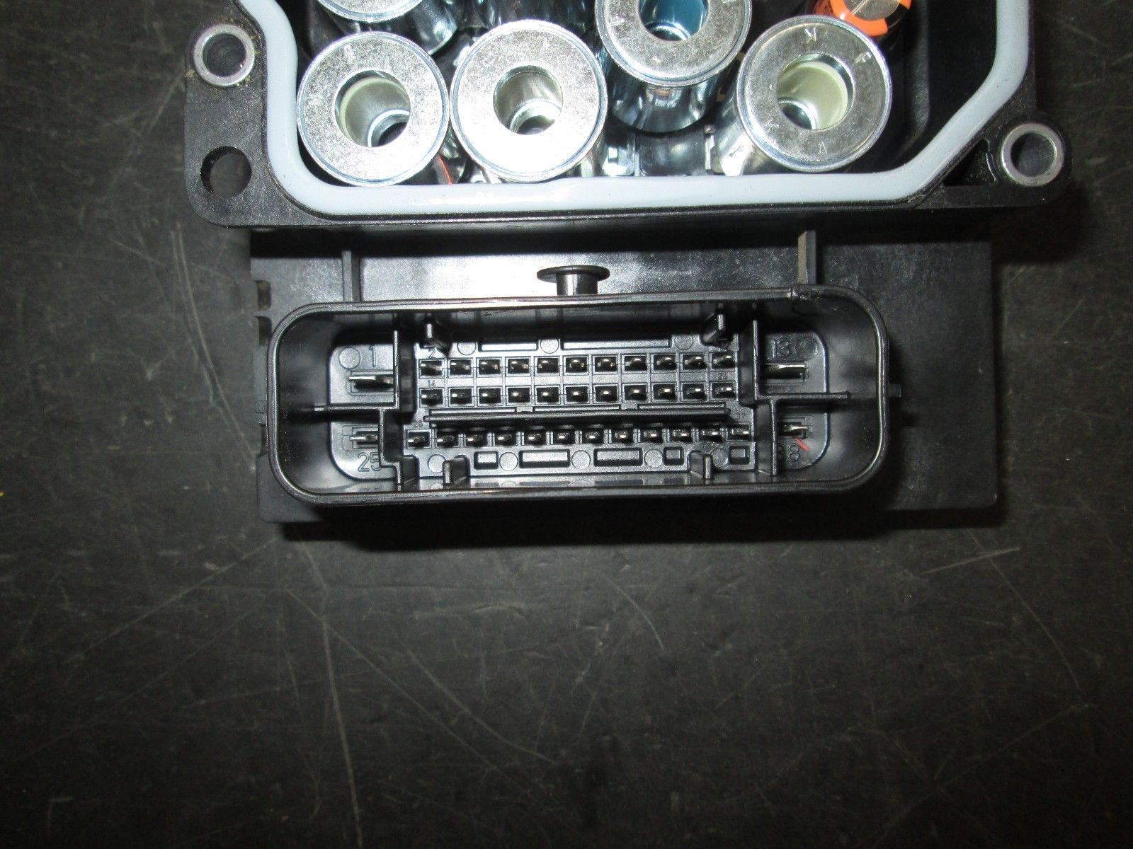 15 16 NISSAN VN200 ABS MODULE FOR CORE PART'S