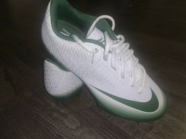Nike Vapor Low Cleat Green And White Size 7.5 - $40.00