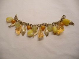 Vintage mixed metal and plastic beads charm bracelet gold tone - $13.55
